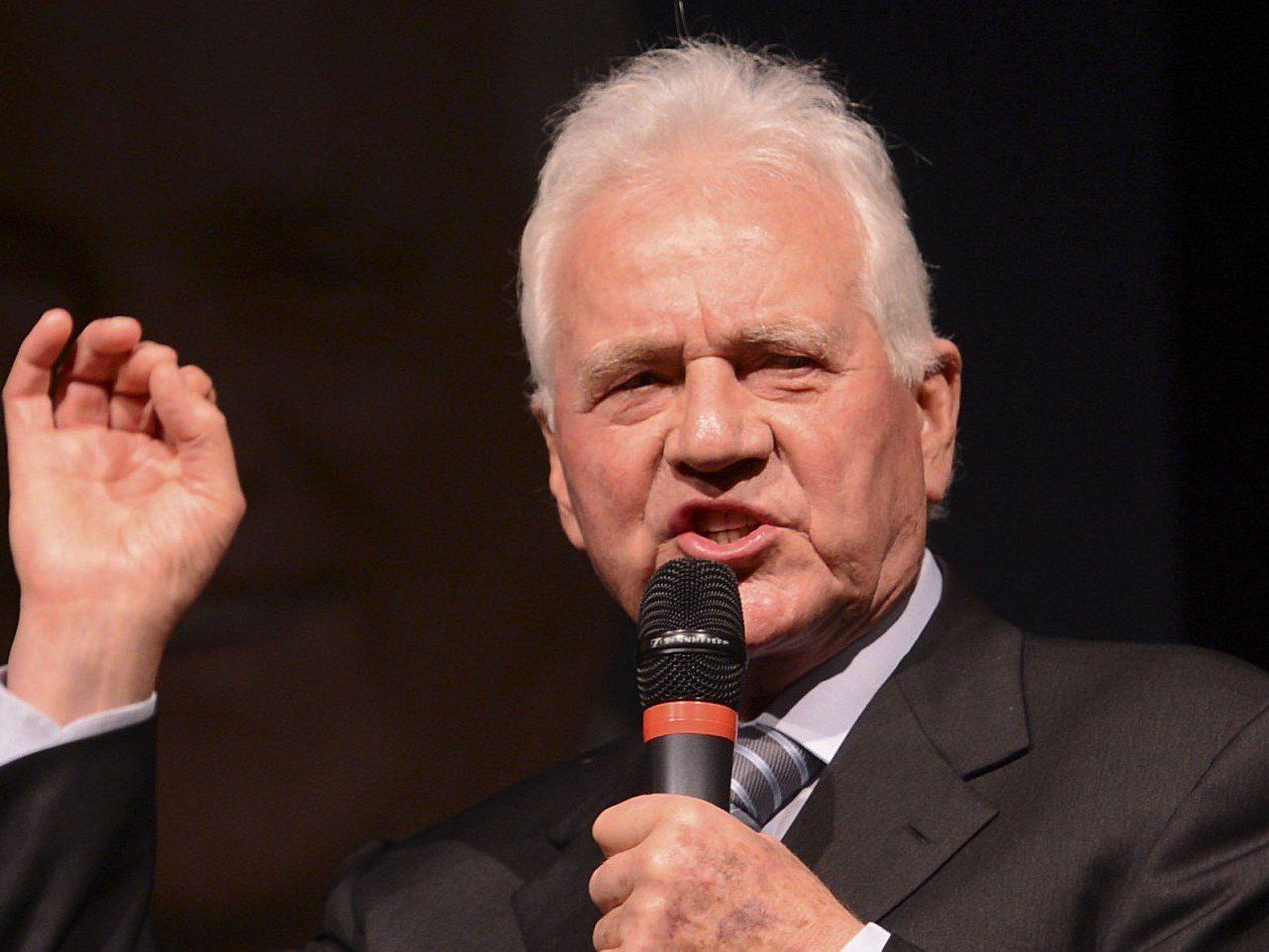 Vor der Landtagswahl in Tirol herrscht immer noch Verwirrung rund um die Listen Stronachs.