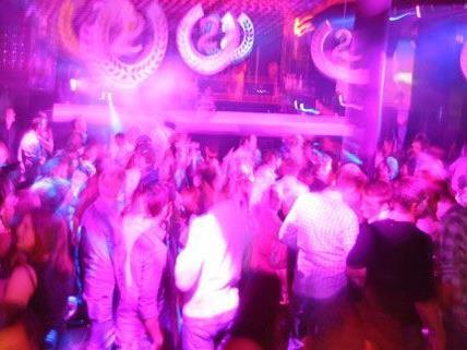 Wüste Szenen spielten sich in der Nacht auf Sonntag im Club Couture ab