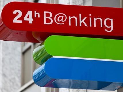 Banküberfall in Wien-Liesing - Täter flüchtig