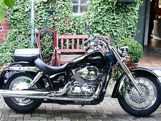 Mit einem Motorrad, das nicht sein Eigentum war, wurde ein junger Mann in Neubau erwischt