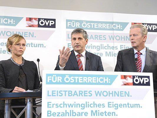 Beatrix Karl, Michael Spindelegger und Reinhold Mitterlehner nach der Sitzung des ÖVP-Bundesvorstands in Wien