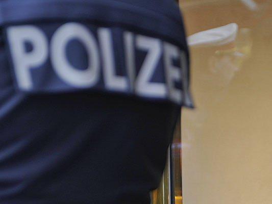 Polizisten kontrollierten einen Mann, der sehr aggressiv reagierte