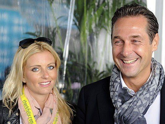 Frisch verlobt: H.C. Strache und Andrea Eigner sind seit Jahren zusammen