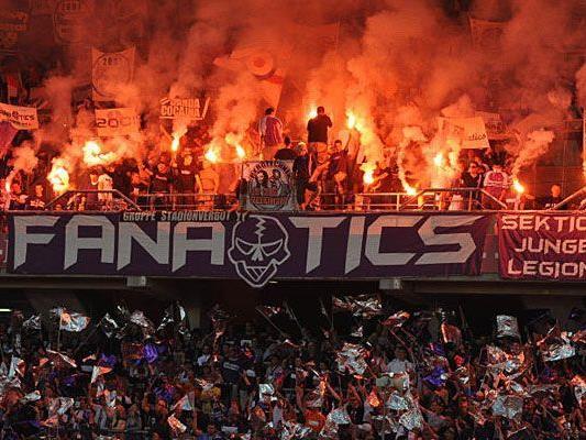 Bengale durchs Stadion geschleudert: Ein Austria-Fan musste sich am Dienstag vor Gericht verantworten.