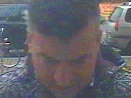 Diebstahl in Hietzing: Die Polizei fahndet nach diesem Mann.