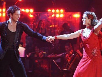 Am Freitag fällt bei Dancing Stars eine Entscheidung: Ein Paar muss die Sendung verlassen.
