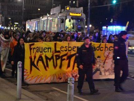 Protestumzug für Rechte der Frauen am Freitag in Wien.