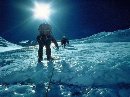 Reinhold Messner berichtet von der spannenden Welt der Pole.
