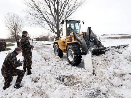 In Österreich hatte das Schneechaos in Ungarn am Wochenende Auswirkungen.