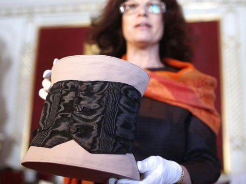 Die modischen Kleidungsstücke der Kaiserin Elisabeth gibt es im Sisi-Museum zu sehen.