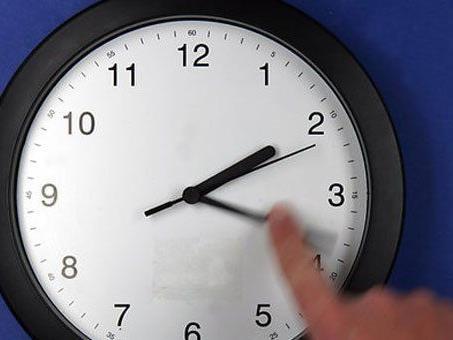 Es wird wieder an der Uhr gedreht - Umstellung auf Sommerzeit 2013.