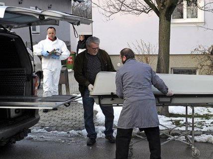 Drei Tote fanden die Cobra-Beamten am Mittwoch in Marchegg.
