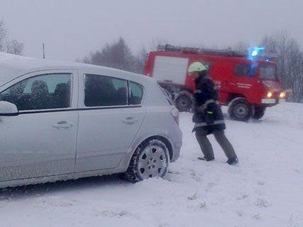 Das Winterwetter sorgte für zahlreiche Unfälle am Montag.