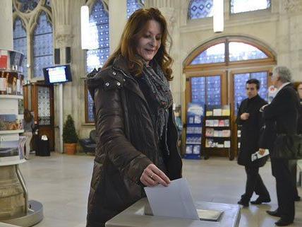 Nach Auszählung der Briefwahlstimmen wurde der Wert der Beteiligung auf 38,7 Prozent korrigiert.