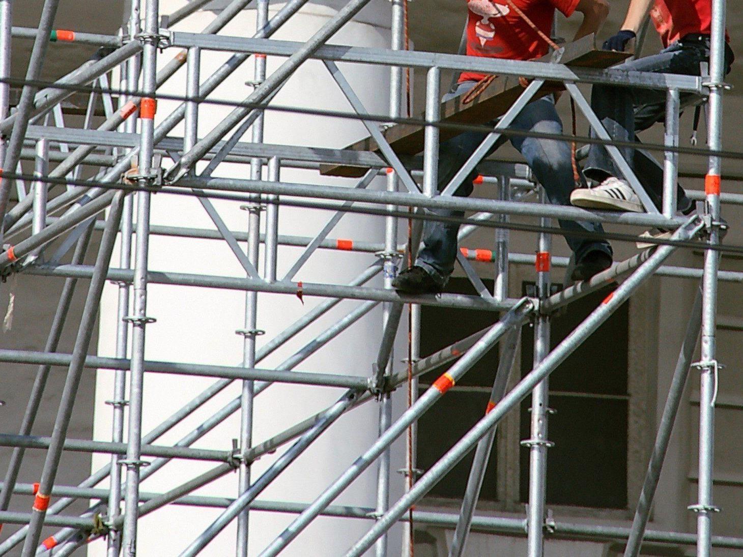 Lokaltour endet mit Festnahme in Wien Innere Stadt: Mann kletterte auf Dach