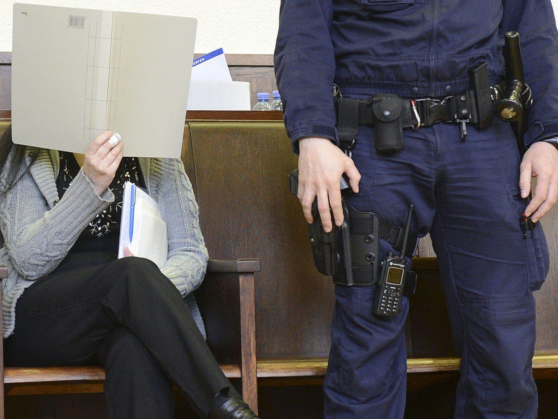 Prozess um Arsen-Morde - Angeklagte laut Gutachter zurechnungsfähig