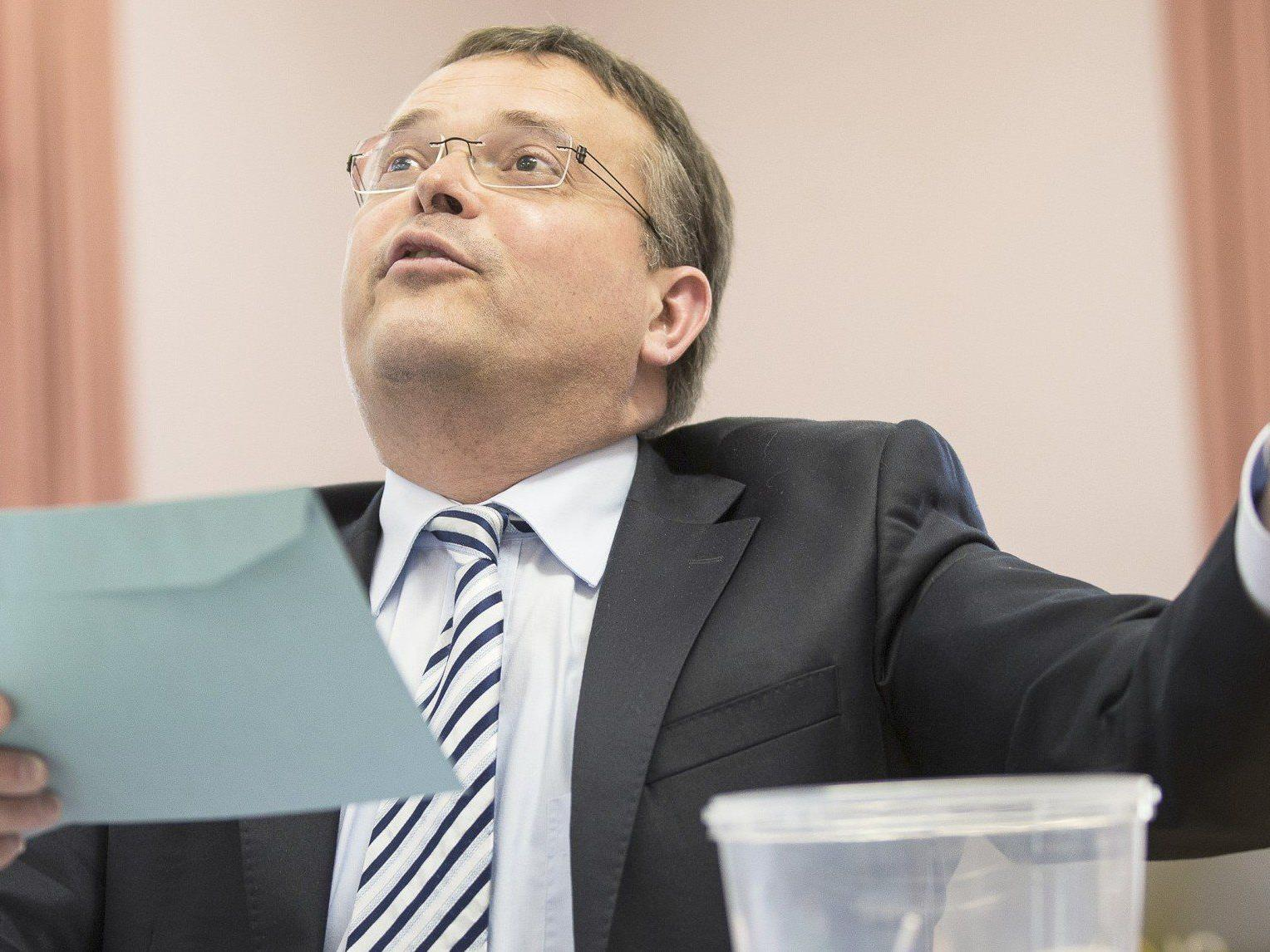 FPÖ: Gerald Hauser konnte bei der Landtagswahl in Tirol sein Ziel von 15 Prozent nicht erreichen.