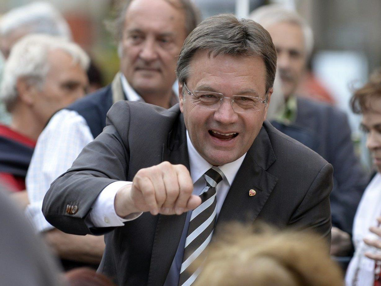 Nach der Landtagswahl in Tirol wird bei den Wahlpartys der Erfolg gefeiert.