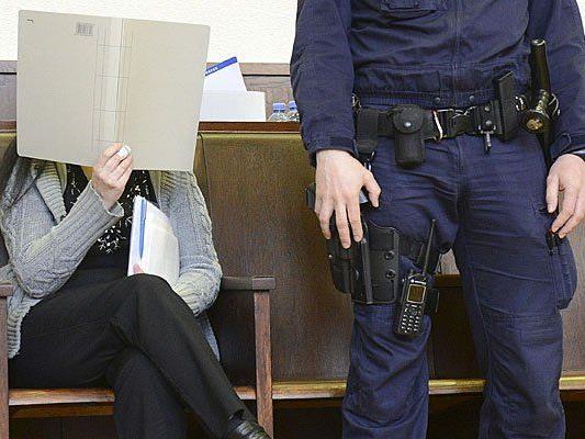 Arsen-Morde: Bogumila W. beim Prozess in Krems