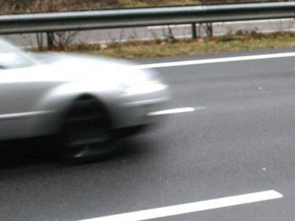 Exzessive Tempoüberschreitung auf A2 in NÖ - Führerscheinabnahme