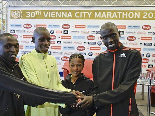 (v.l.n.r.): Die Top-Athleten Gilbert Yegon, Henry Sugut, Kebebush Haile und Jafred Kipchumba am Freitag in Wien