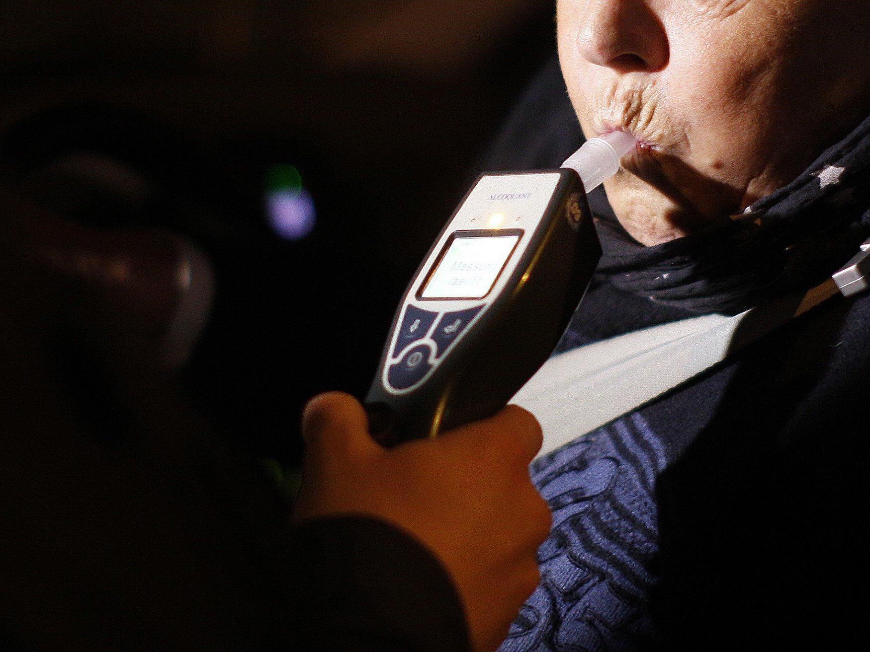 Alkohol am Steuer ist an sich schon eine schlechte Idee - im Ausland fallen die Strafen aber noch wesentlich drastischer aus als bei uns.