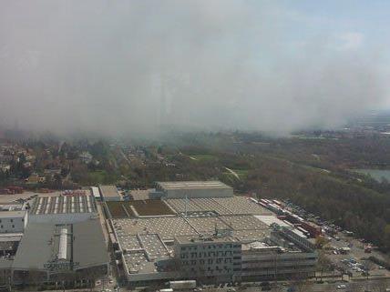 Zu einem Großbrand kam es am Dienstag in Wien-Liesing.