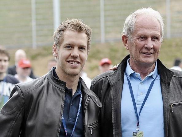 Sebastian Vettel mit Red Bull-Motorsport-Chef Helmut Marko