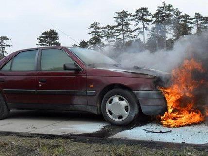 Glücklicherweise gab es bei dem Fahrzeugbrand auf der A2 keine Verletzten.