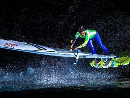 Die Surf-Profis lieferten am Wochenende eine beeindruckende Show in Podersdorf.