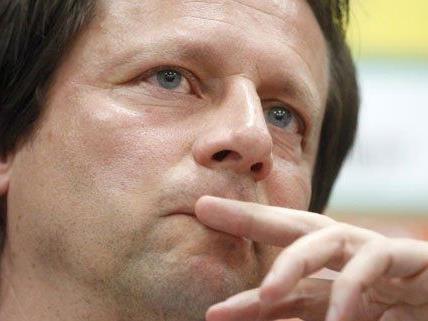 Rapid Trainer Peter Schöttel stellte sich zum letzten den Medien