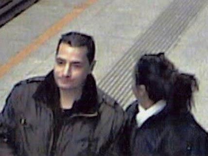 Dieser Mann wird von der Polizei wegen des Verdachts der schweren Nötigung gesucht.