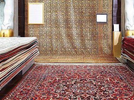 Teppiche im Wert von mehreren Tausend Euro wurden gestohlen.