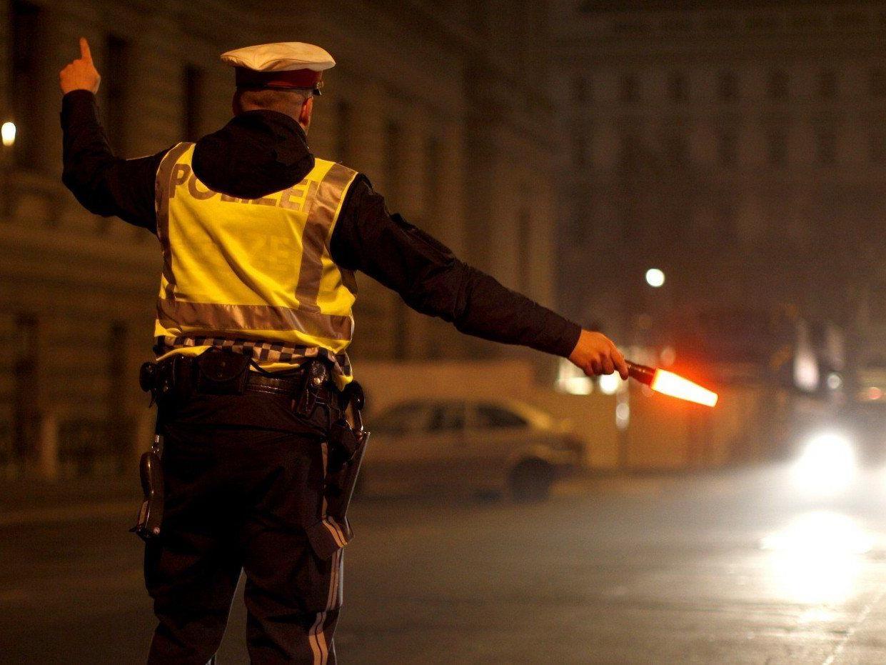Ein Polizist kassierte in Wien Geld für Strafmandate und steckte es in die eigene Tasche.