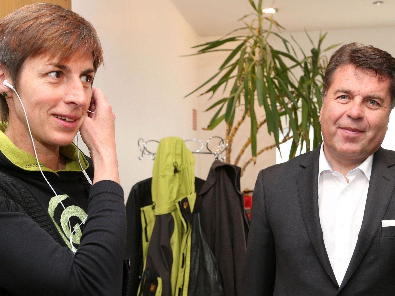 Team Stronach, die Grünen und die ÖVP treten in Salzburg zu Koalitionsverhandlungen zusammen.