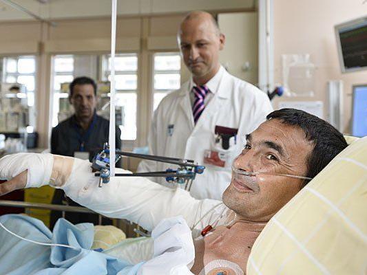 Arbeiter trennte sich Arm ab: Nach Odysee verliert Ungar seinen Arm