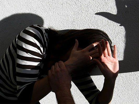 Eine Frau wurde in Penzing auf offener Straße geschlagen