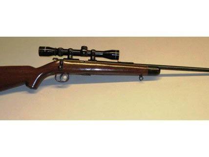 Mit diesem Gewehr schoss der 82-Jährige auf Tauben