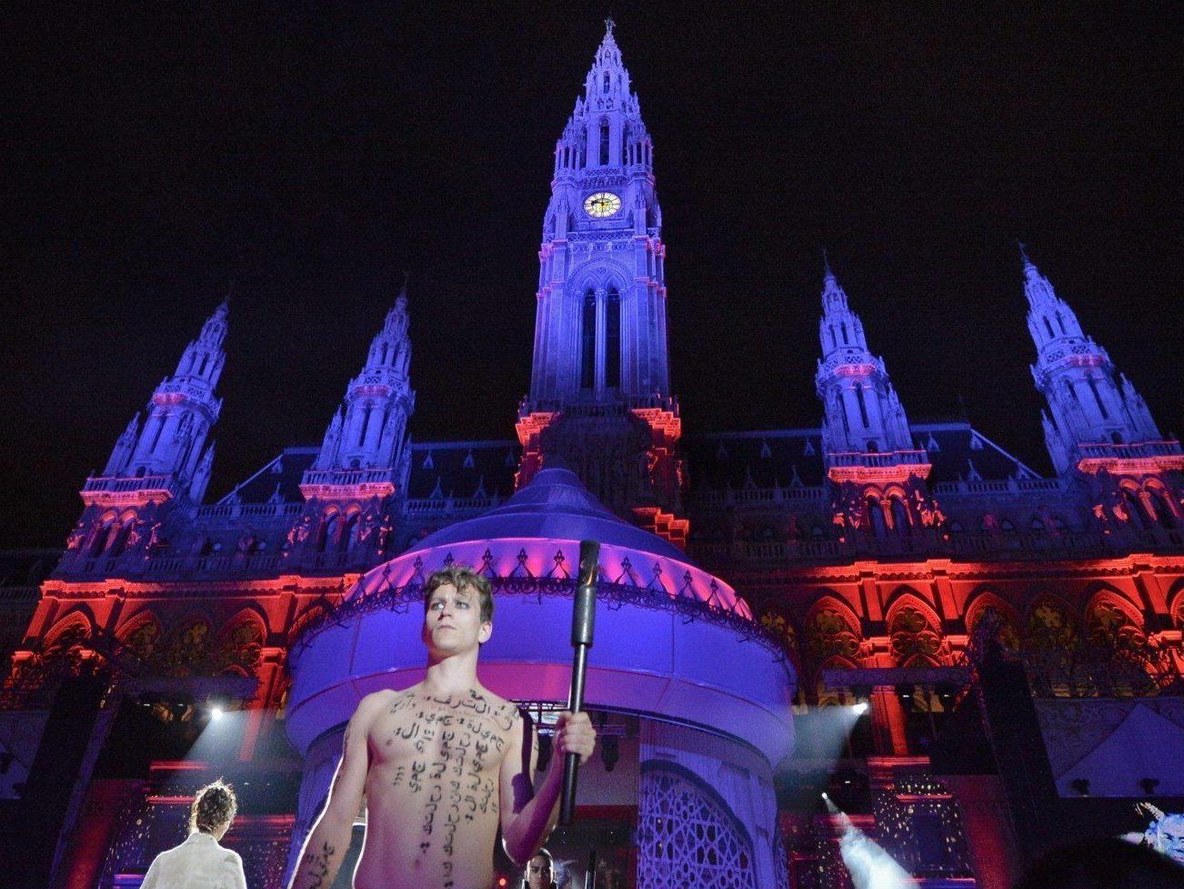 Verärgerte Gäste beim Life Ball: Wird das Charity-Event 2014 nicht mehr im Rathaus stattfinden?