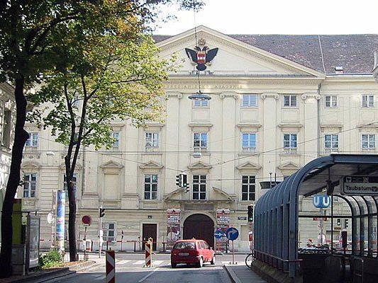 Am Wiener Theresianum sprang eine Schülerin aus einem Fenster