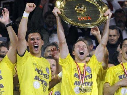Die Wiener Austria feiert am Dienstag ihren 24. Meistertitel vor dem Rathaus