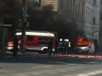 Die Feuerwehr musste am Nachmittag wegen eines Fahrzeugbrandes ausrücken.