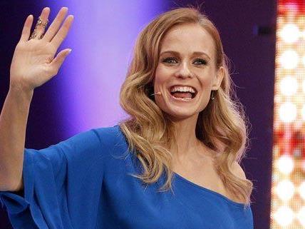 Schauspielerin und Moderatorin Mirjam Weichselbraun ist schwanger.