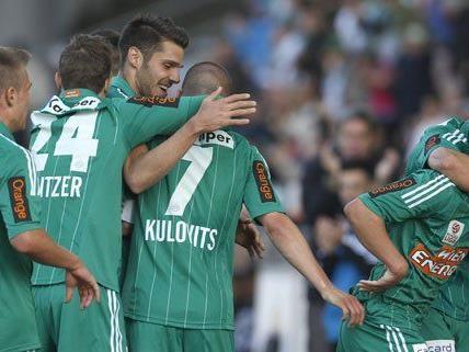 Große Freude nach dem Sieg bei den Grün-Weißen aus Hütteldorf.
