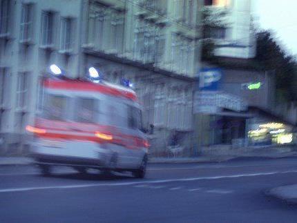 Ein 13-jähriger Bursche starb am Montagabend nach einem schweren Verkehrsunfall in Wien-Landstraße.