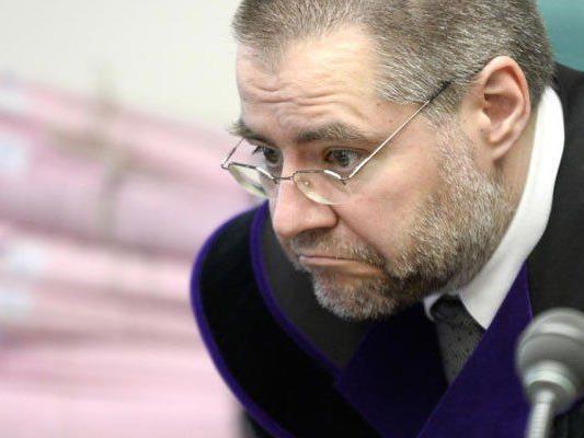 """Richter Stefan Erdei hatte am Donnerstag den Angeklagten """"Rocky"""" vor sich."""