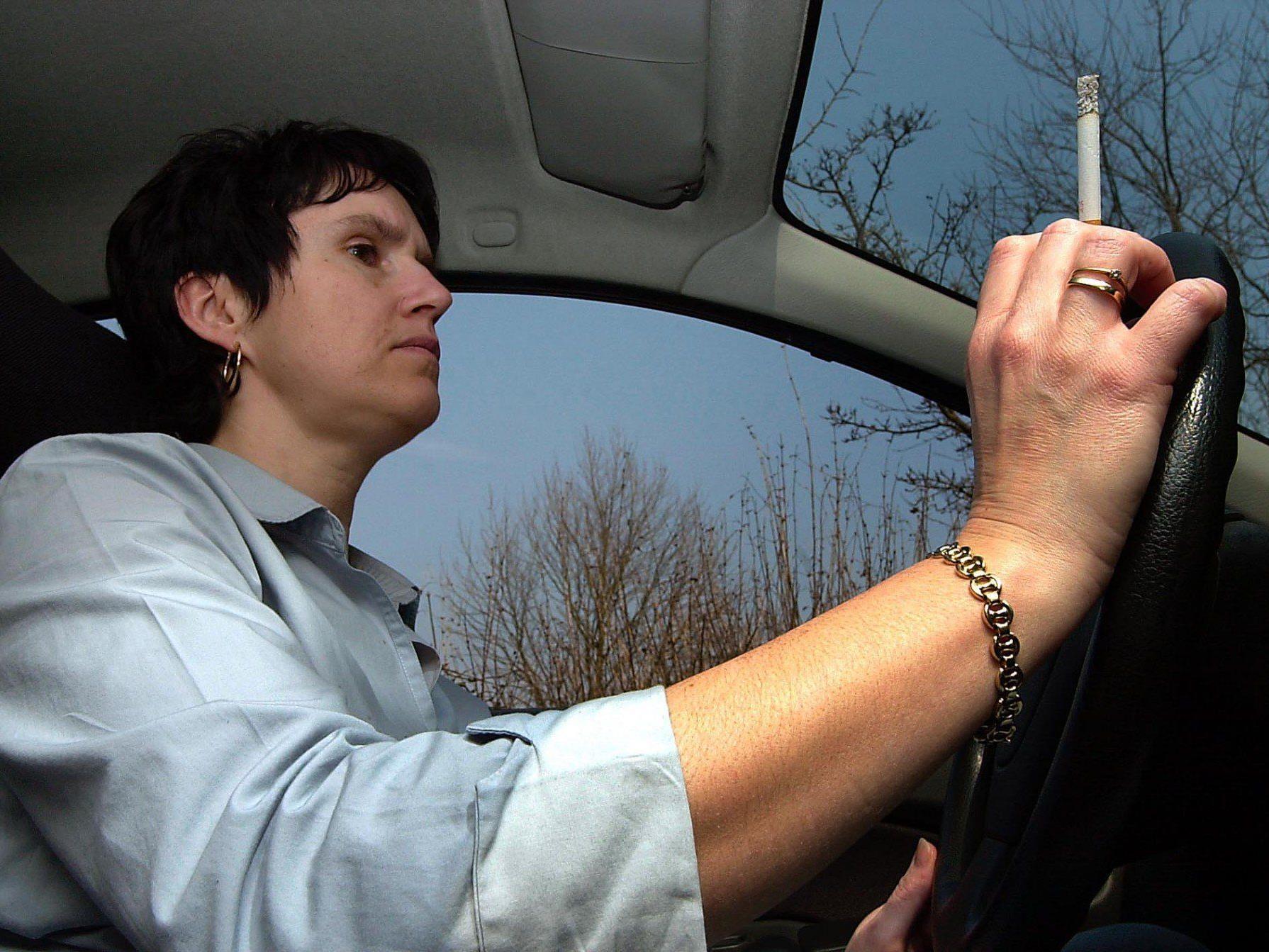 Rauch im Auto für Kinder besonders schädlich
