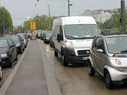 Wegen Bauarbeiten auf der Oberen Donaustraße ist mit Staus zu rechnen.