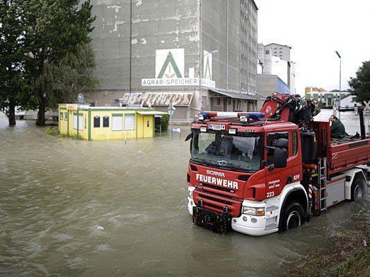 Die Hochwasser-Lage am Alberner Hafen: Besserung ist in Sicht