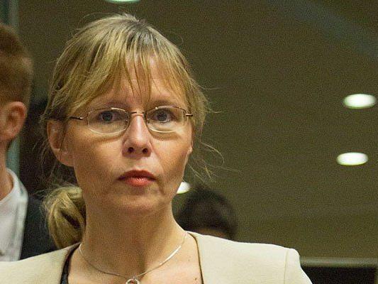 Beatrix Karl äußerte sich zu dem Missständen im Jugendstrafvollzug